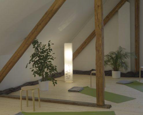 Yoga Herford: Wenn Sie sich für die Möglichkeiten interessieren, wie Vini-Yoga Ihnen bei der Verbesserung Ihres Gesundheitszustands unterstützen kann, wie Sie gesundheitliche Beschwerden lindern und Ihre innere Haltung stärken können, dann nehmen Sie Kontakt zu Ihrem erfahrenen Yoga-Lehrer Udo Tiemeyer auf. Hier finden Sie die Kontaktdaten.
