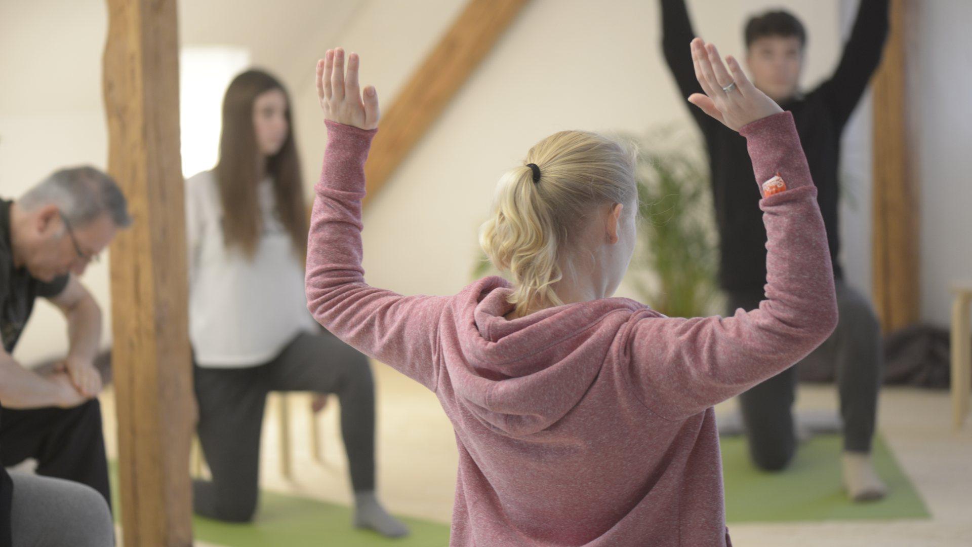 Yoga Herford: Im Gruppenunterricht und im Einzelunterricht wird darauf geachtet, dass Ihr Fortschritt zu Ihren Zielen, Ihrem Gesundheitszustand und Ihrer Ausgangssituation passt.